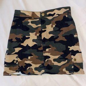 Forever 21 camo skirt